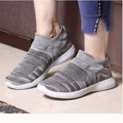 100% Genuine Textile Silk Mixed Quality Walking Shoes For Men  (Grey)